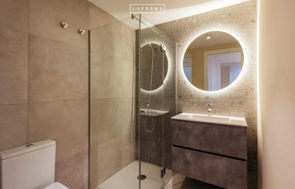 Baño con ducha Begur 32   LaPromo
